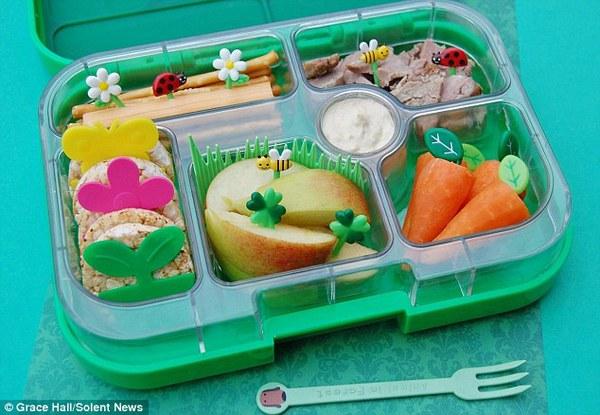 Bà mẹ nổi tiếng vì làm cho con những hộp cơm trưa tuyệt đẹp  3