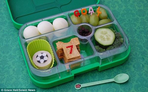 Bà mẹ nổi tiếng vì làm cho con những hộp cơm trưa tuyệt đẹp  5