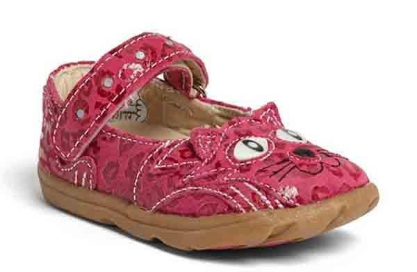 10 kiểu giầy tập đi tốt cho đôi bàn chân của bé 4