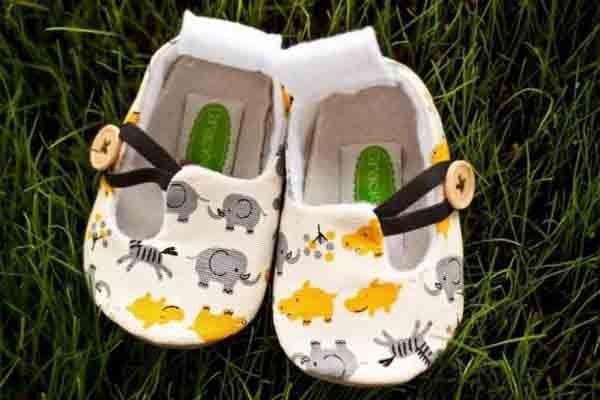 10 kiểu giầy tập đi tốt cho đôi bàn chân của bé 7