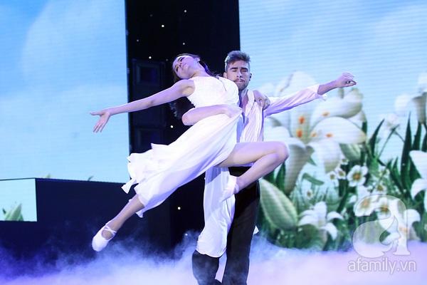 Angela Phương Trinh quyến rũ trong đêm mở màn Bước nhảy hoàn vũ 13