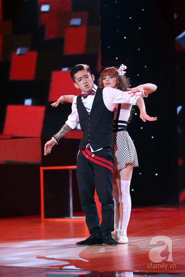 Angela Phương Trinh quyến rũ trong đêm mở màn Bước nhảy hoàn vũ 8