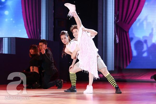 Angela Phương Trinh quyến rũ trong đêm mở màn Bước nhảy hoàn vũ 10
