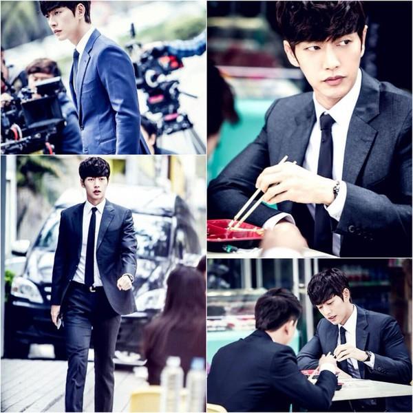 Park Hae Jin bất ngờ làm ma cà rồng siêu điển trai 3