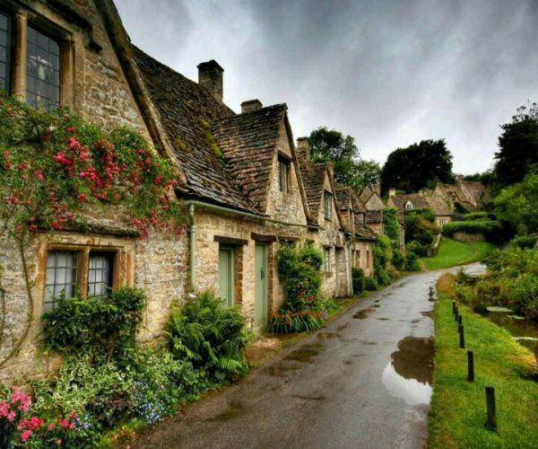 Chiêm ngưỡng những ngôi nhà cổ tích giữa đời thực 12