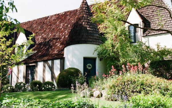 Chiêm ngưỡng những ngôi nhà cổ tích giữa đời thực 13