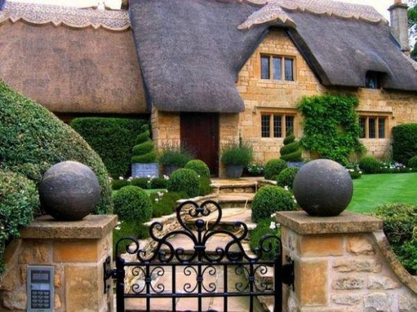 Chiêm ngưỡng những ngôi nhà cổ tích giữa đời thực 9