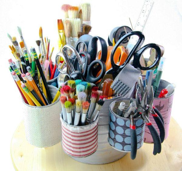 3 ý tưởng giúp bàn làm việc gọn gàng nhờ tận dụng đồ cũ 5