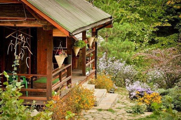 Ngôi nhà gỗ yên bình ở Piatra Neamt, Rumani 2