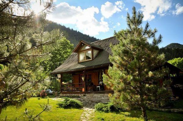 Ngôi nhà gỗ yên bình ở Piatra Neamt, Rumani 4