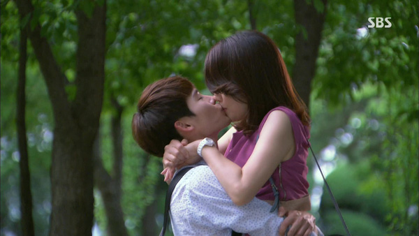 "Vì sao ""I hear your voice"" gây sốt tại Hàn Quốc?"