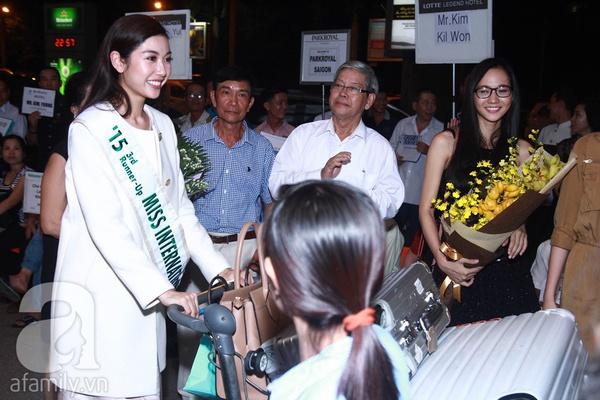 Thúy Vân về Việt Nam