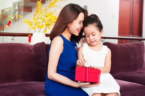 Lưu Hương Giang và con gái