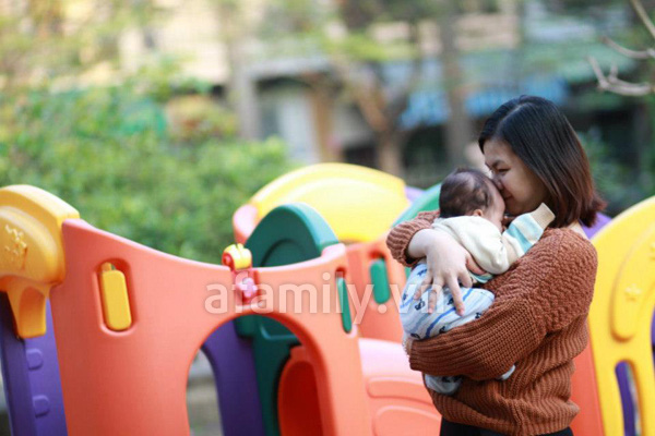 Gặp bà mẹ xinh xắn và chăm con rất khéo 3