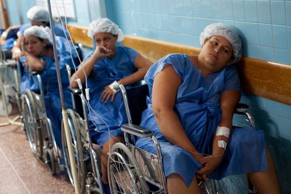 Tò mò chuyện mẹ bầu ở Venezuela đi đẻ 9