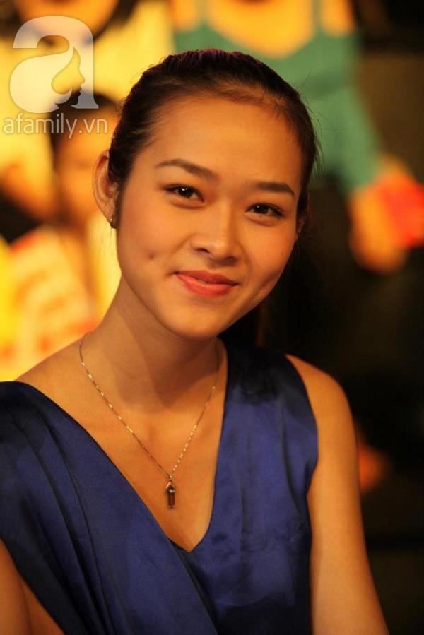 Cựu hot girl Diệp Bảo Ngọc mộc mạc với vai trò làm mẹ 4