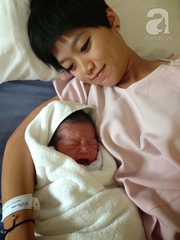 Clip siêu yêu của ông bố Việt làm tặng con mới chào đời 5