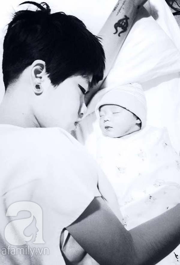 Clip siêu yêu của ông bố Việt làm tặng con mới chào đời 2
