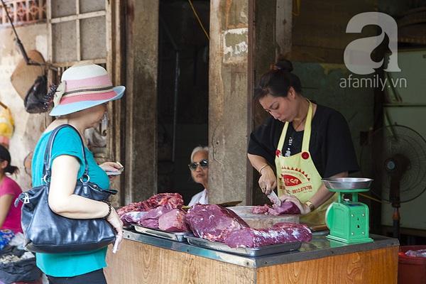Thị trường thực phẩm đắt hàng từ chợ thật đến mạng ảo 1