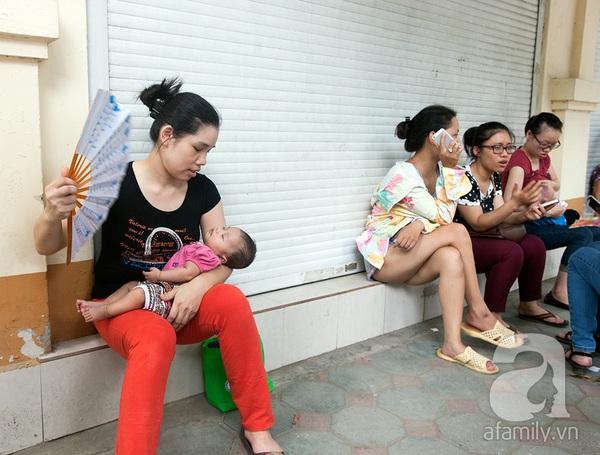 Hà Nội: Vừa có vắc xin 5 trong 1, các điểm tiêm chủng đã quá tải 22