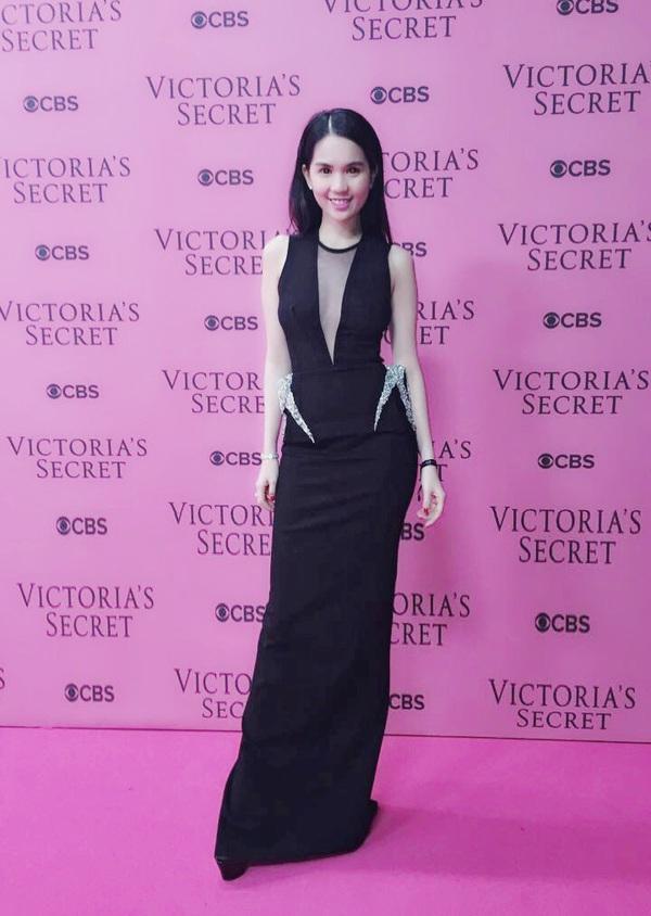 Ngọc Trinh & Khánh My cũng xuất hiện trên thảm đỏ Victoria's Secret Show 23