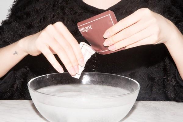dùng nước có ga để rửa mặt