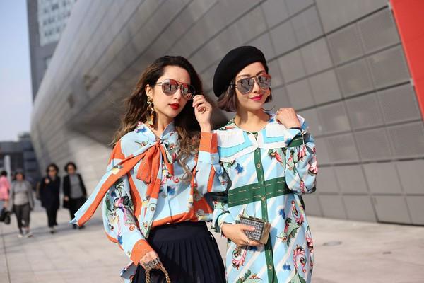 """Ngắm street style """"bánh bèo toàn tập"""" của các quý cô Châu Á tuần qua"""