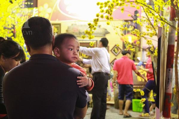 Chùm ảnh: Những em bé Sài Gòn đáng yêu đi đón Giao thừa 4