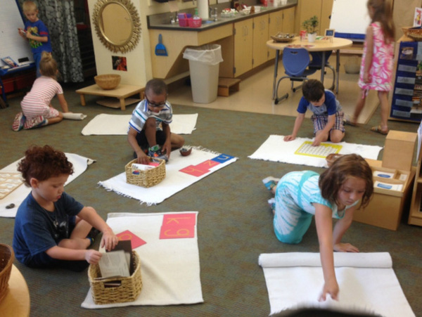 Lớp học Montessori 2