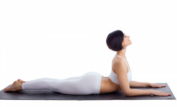 động tác yoga giảm đau lưng dưới