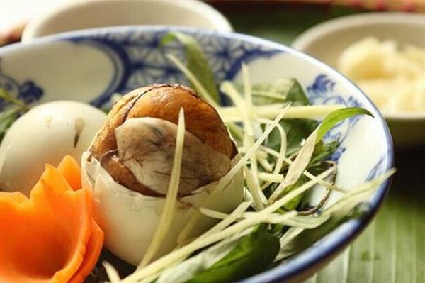 ăn trứng vịt lộn khi mang thai