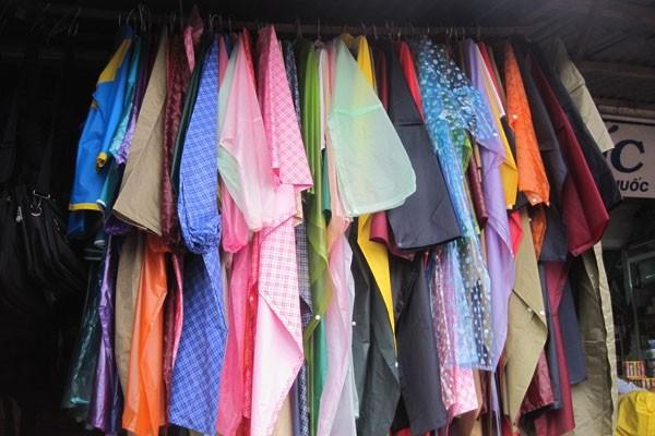 áo mưa dùng 1 lần