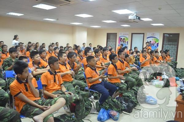 Nhật ký 10 ngày đi lính của những đứa trẻ thành phố 45