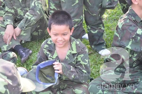 Nhật ký 10 ngày đi lính của những đứa trẻ thành phố 13