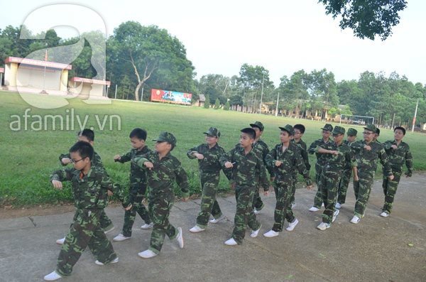 Nhật ký 10 ngày đi lính của những đứa trẻ thành phố 20