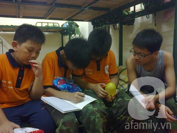 Nhật ký 10 ngày đi lính của những đứa trẻ thành phố 43