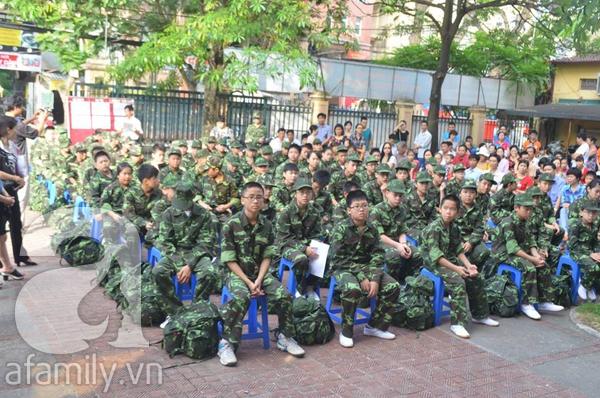 Nhật ký 10 ngày đi lính của những đứa trẻ thành phố 1
