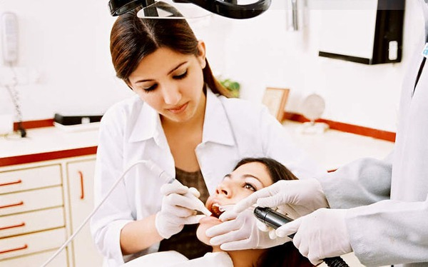 Lấy cao răng sẽ làm răng yếu đi? 1