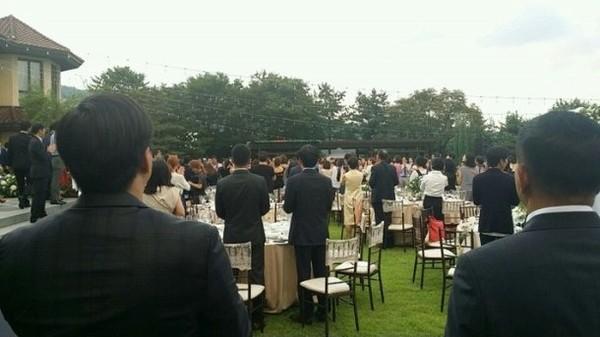 Hình ảnh hiếm hoi trong đám cưới của Bae Yong Joon và Park Soo Jin 4