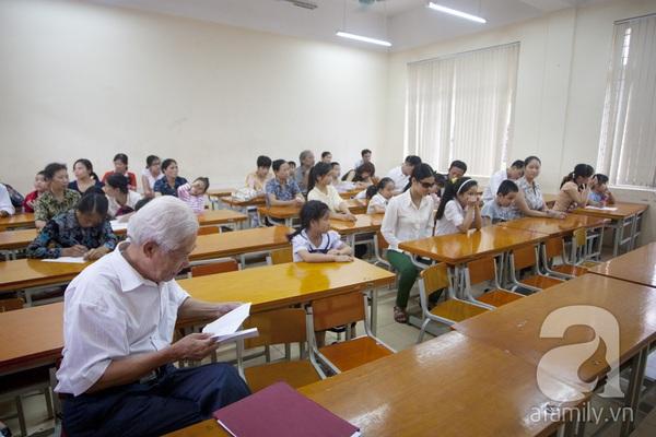 Xúc động ngày đầu tiên đi học của các bé khiếm thị  17