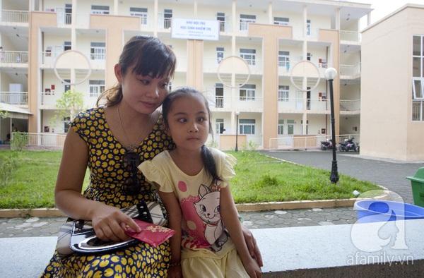 Xúc động ngày đầu tiên đi học của các bé khiếm thị  7