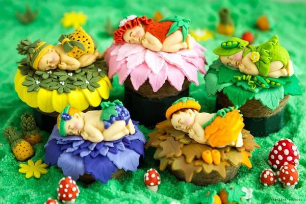 Người phụ nữ với đam mê đặc biệt: Vẽ tranh bằng... bánh ngọt 18