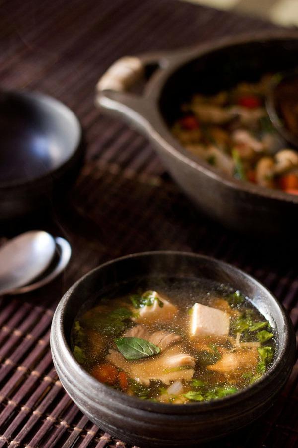 Canh đậu nấu nấm ấm lòng bữa tối mùa đông 1