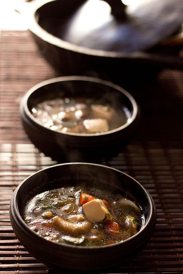 Canh đậu nấu nấm ấm lòng bữa tối mùa đông 9