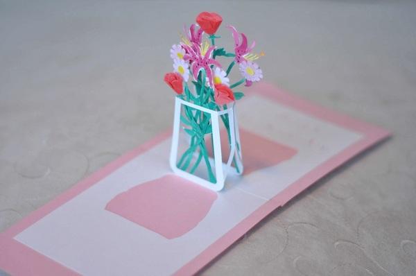 Làm thiệp 3D bình hoa tươi khoe sắc 1