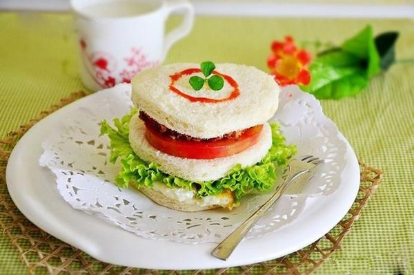 Bánh sandwich bò cho bữa sáng cuối tuần 1