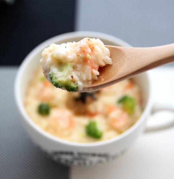 Món ngon cho bé: Cháo tôm bông cải phô mai 12