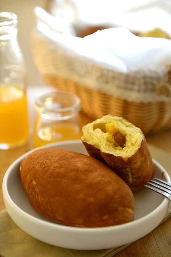 Làm bánh mỳ hình củ khoai lạ mắt 9