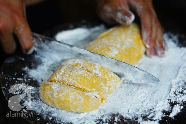 Cách làm bánh mochi bí đỏ thơm ngon mềm mịn 16