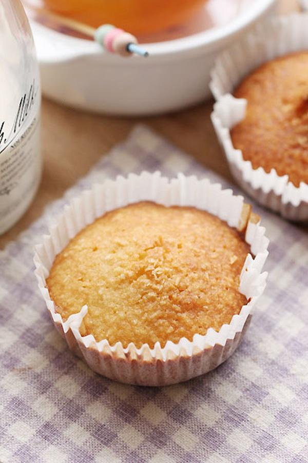 Mềm thơm món bánh cupcake nho khô  15